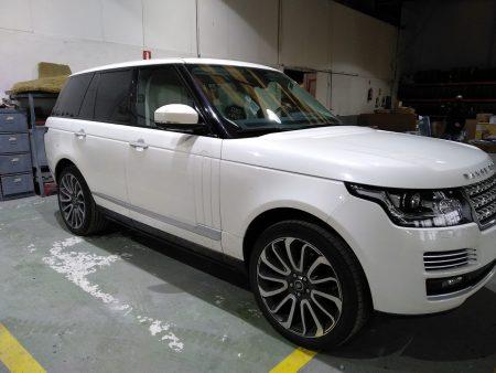Range Rover Autobiography , blanco nacarado, parte delantera